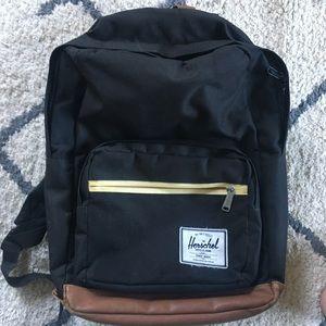SALE 🍁🔴LIKE NEW 💫 Pop Quiz Herschel backpack